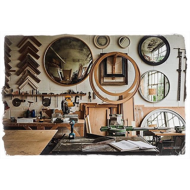 Buy British @reidandwright featured in the Nov issue of @countryhomesmag #convexmirror #roundmirrors #behindthescenes #workshop #investmentbuys
